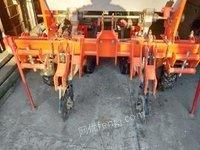 黑龙江鸡西卖基本全新两行指甲试玉米播种机