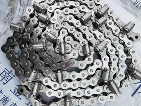 出售双节距大滚子输送弯板链条 机械设备专用链条 传动链条
