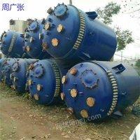 出售化工厂设备 二手搪瓷反应釜 不锈钢盘管反应釜 1000-20000L均有
