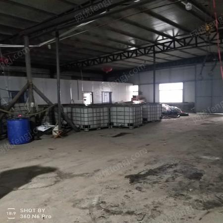 山东济宁塑料罐 电机 铁罐 减速机出售