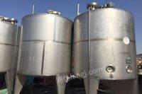新疆乌鲁木齐乌市现货不锈钢储罐搅拌罐冷热缸低价转让