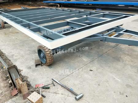 供应3T带支腿平板拖车,3T带支腿平板拖车价格,平板拖车尺寸