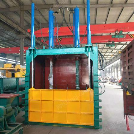 供应棉花稻草秸秆打包机性能 卧式液压打包机使用方法