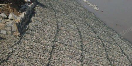 供应镀高尔凡石笼网 质优价廉 堤坡防护石笼网箱