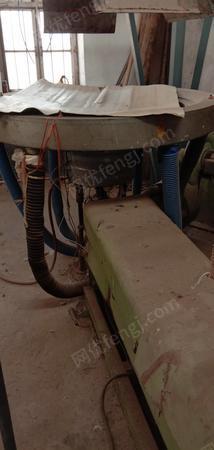 地膜廠出售萊蕪吹1.5M、2M吹膜機4-5臺,有圖片