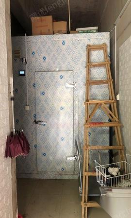 福建泉州在位出售9成新凍庫一個13000元 約30立方