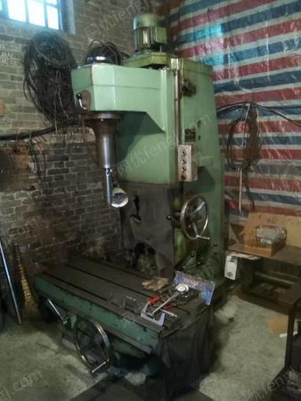 廠打包賣立式鏜床、氣動磨床共五臺