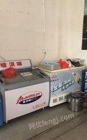 云南楚雄餐厅不开了,各种餐具、厨具低价出售。 20000元