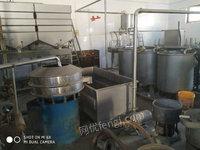 豆皮生产线两套,包括磨桨糸统,煮桨系统等全套设备,日产五吨。出售