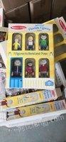 库存清仓大量木质玩具玩偶出售