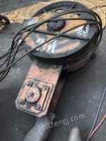 河南郑州废铁价转让龙门吊,25吨跨度30米