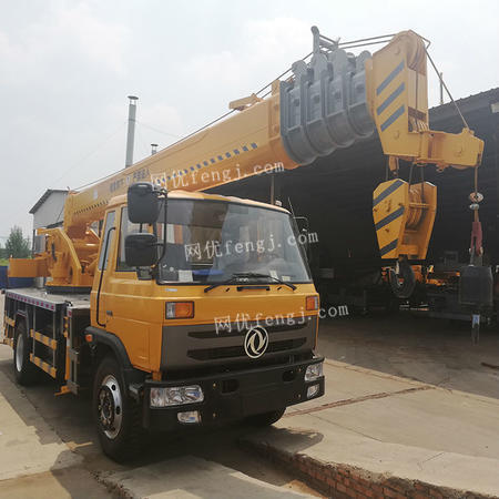 厂家出售福田10吨吊车报价 油电两用液压吊车 高配置单板臂