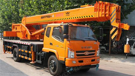 供应国六唐骏12吨吊车 农用小吊车价格  质量有保证