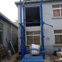 湖北武汉厂房升降货梯 导轨式液压升降平台定做仓库提升机出售