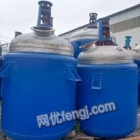 山东烟台各种型号不锈钢罐,反应釜,搪瓷反应釜,蒸发器,和各种化工设备出售