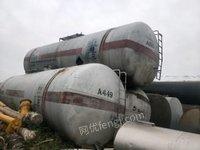 锦州出售油罐,火车罐,水泥罐,白钢罐,水罐,压力罐