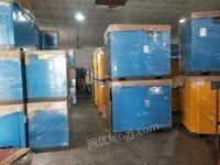 上海嘉定区大量低价出售二手喷布下线准新螺杆空压机