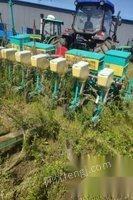 黑龙江黑河低价出售沃尔新款玉米播种机
