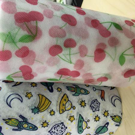 厂家批量生产儿童水刺印花无纺布