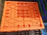 新疆乌鲁木齐低价处理吹塑托盘1300*1100自重24公斤动载2吨,静载8吨