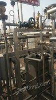 出售二手304板式杀菌机,36头圆形灌装机,不锈钢搅拌罐