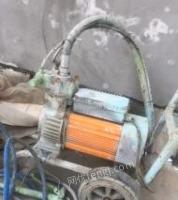 河南周口出售超大流量喷涂机,去年华耀城1400买的,白菜价680甩卖!