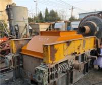 河南郑州二手辊式破碎机 新型辊压破碎机八成新出售