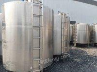 转让公司新购一批乳品厂专用储罐、保温罐,搅拌罐,型号1-15立方。178台