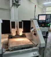 广东深圳低价出售北京精雕面板机多台,带原装真空吸盘,主轴60000转