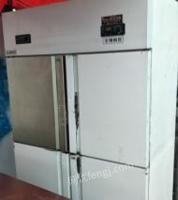 河南郑州四开门冰柜。几乎全新。上冷冻下冷藏。