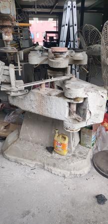 玻璃厂出售斜边机,异形磨边机,机型xm363A,大气泵,各1台