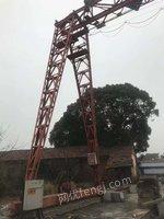 厂家就出售5T15M龙门吊1台(带轨道钢300M),处理价6万5,60T跨度20M龙门吊2台,直径1.5M单滚筒烘干机1台