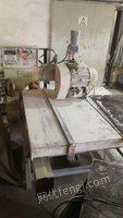 瓷砖厂就近出售1.2M数控手推锯1台,4刀数控前后切割机1台