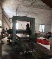 江苏无锡精品上海台重1.5米*3.4米龙门铣床,主铣头电机7.5kw,带侧铣头,导轨如镜面,工厂在位出售