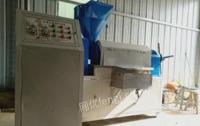 北京海淀区出售油博士598型榨油机全套机器因拆迁