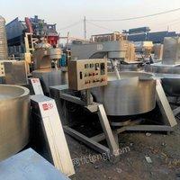 回收二手食品厂设备 肉制品设备真空和面机 绞肉机灌肠机