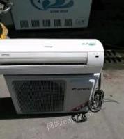 河南洛阳转让九五新格力匹挂机空调,可送货安装。