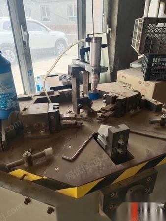 内蒙古赤峰打包转让闲置大锯,组角机,端面铣,玻璃复合机,空压机 没咋用
