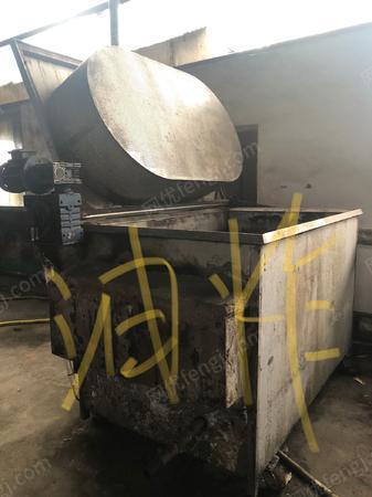 食品厂处理炒货机,油炸机,柴油煮锅,溶糖锅等设备1批(详见图)