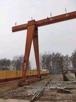 山东泰安出售10吨跨度20+5+5起高9米行车一台