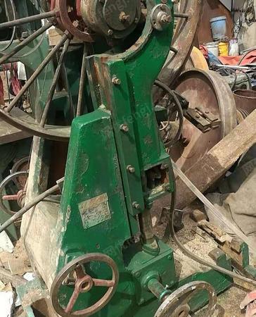 出售90带锯跑车,滚压机,锉锯机全套