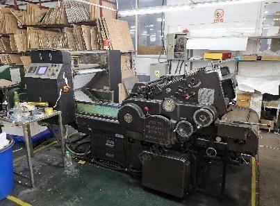 印刷厂出售2019年1月东莞雅思AUSCP SX180/51电脑程控全自动锁线机,2019年4月北京润达0-B粘页机,2018年6月浙江寿元SYN78/4KLL-R全自动折页机,2010年海德堡580