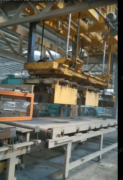 砖厂处理空心砖生产线1条,110千瓦锤式细碎粉碎机3台(详见图)